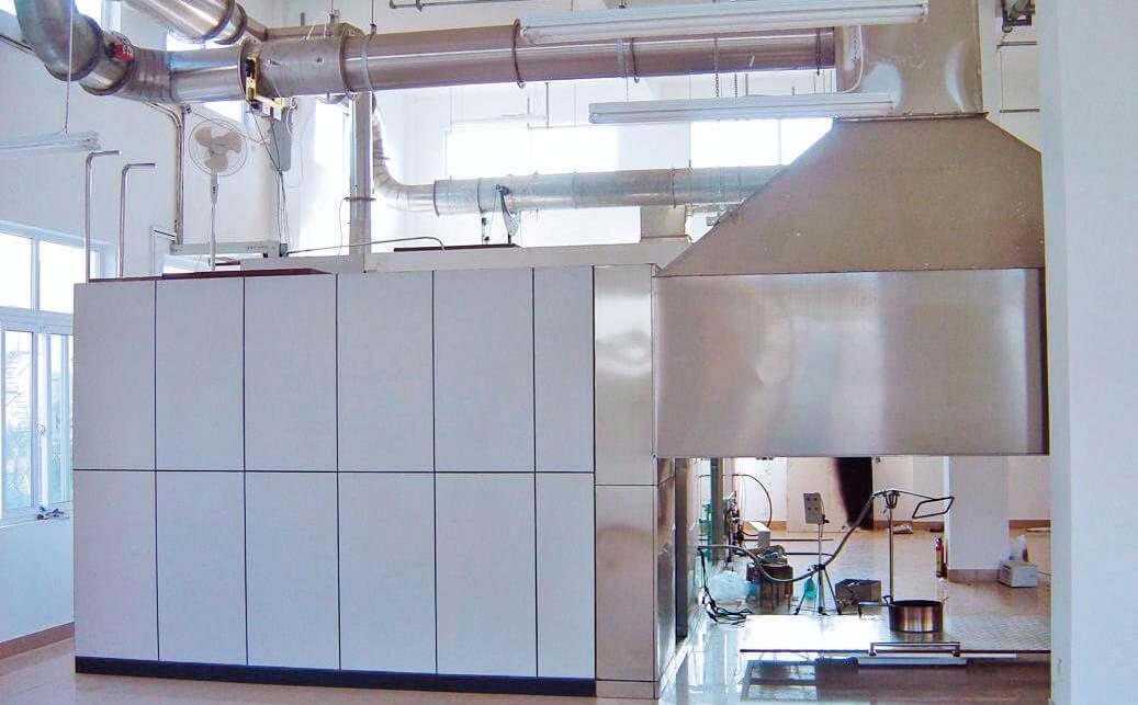 大尺度量热仪—墙角试验