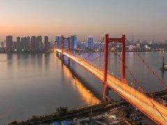 大桥晃动仍安全?从鹦鹉洲长江大桥谈谈你的房子安全吗